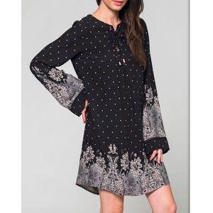 ✌🏻Boho Floral Print Bell Sleeve Shift Dress